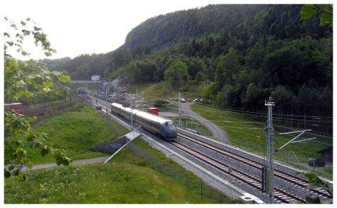 Det spøkte for den videre utbyggingen av dobbeltspor på Dovrebanen og Intercity til Hamar, og senere Lillehammer. Nå er penger blitt flyttet, og 55 millioner skal sikre videre framdrift.