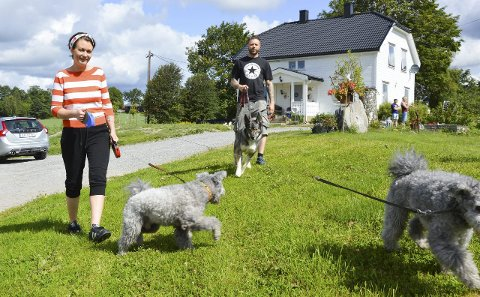 GIR SEG: Linn Walløe og Christian Arneberg avvikler hundepensjonatet de startet i 2013. Dette er et arkivbilde.