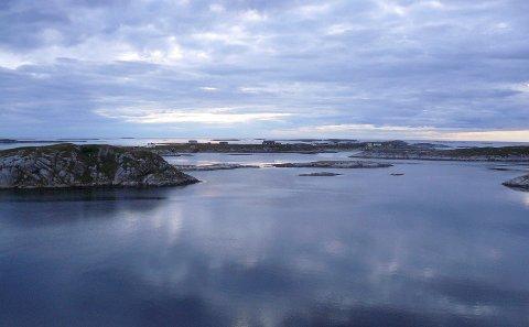 UTSIKT: Utsikt mot vest fra terassen mot Skipbåtsvær.