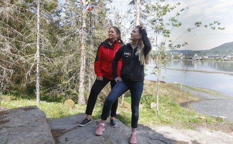 FORNØYD: Både Lena Aufles fra Frisk 3 og Ellen Strøm Brodtkorb (t.v.) fra Helgelendingen er fornøyd med at så mange gjør seg klar til innsats i årets trimkonkurranse.