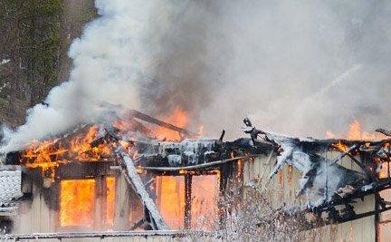 1. mai 2015 brant huset i Alta. Nå er kvinnen dømt for forsikringssvindel.