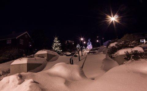 MYE SNØVÆR: Helgen har bydd på mye snøvær i store deler av Finnmark i helgen. Flere steder vil fortsette å få dette snøværet, mens andre steder vil får mildere vær i følge statsmeteorologen.