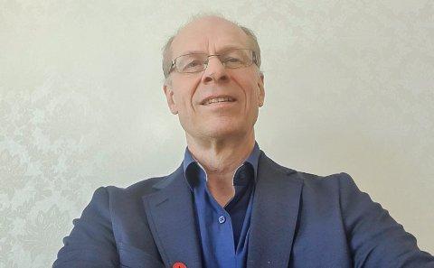 UTFORDRING: - Verden ser annerledes ut i dag og vi må jobbe mer for å nå ut til folk, sier prost Olav Øygard.