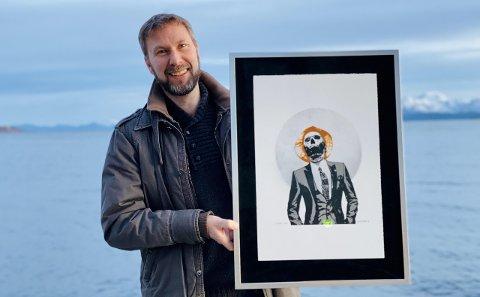 ÅRETS HARSTADVÆRING: Dette er første gang kommuneoverlege Jonas Holte har vunnet en pris. – Det er artig at de kjedelig, grå sliterne også får oppmerksomhet.