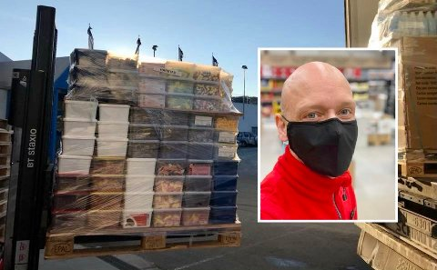 HØYTIDENE: Jan Rolf Jakobsen forteller at salget av smågodt skyter fart i alle høytidene.