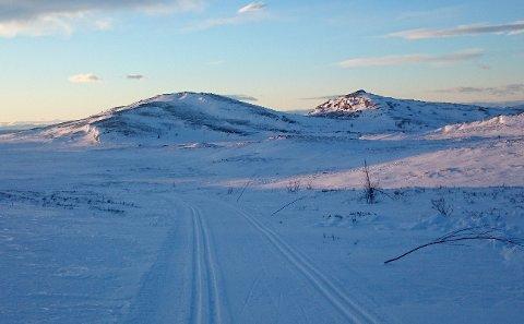 PÅ SKI: Kveldssol over Fjellslottet!