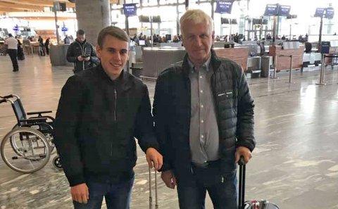 KLARE TIL TUR: Sander Huslende Alfredsen og lærer Halvor G. Garås dro til Russland og VM mandag morgen.