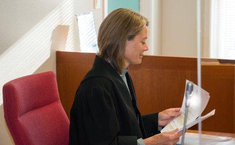TAUS: Politiadvokat Berit Woxen er tilbakeholden med opplysninger om cannabissaken fra Kvås.