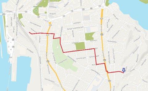 RUTE: Kartet viser hvilken rute jenta tok hjemover etter at hun ankom Moss jernbanestasjon klokken 06.20. Politiet ønsker å komme i kontakt med personer som eventuelt har observert henne på strekningen.