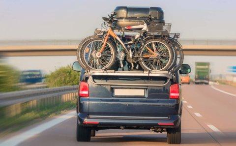 Skal du på bilferie i sommer bør du la være å bruke takboksen til oppbevaring av bagasje.