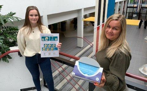 SMITTEVERN: Maren Mørk (f.v.) og Stine Jessica Bergerøy skal hjelpe elever og ansatte med å overholde smittevernreglene på Malakoff fram til sommeren.