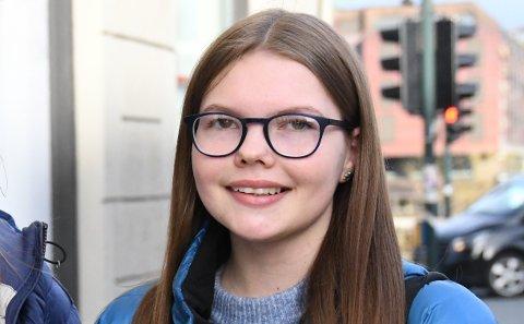 Ronja-Marie Eggen Meyer synes det er viktig å gjøre det man har lyst til, og flytter til Sparbu for å gå på landbruksskole fra høsten av.