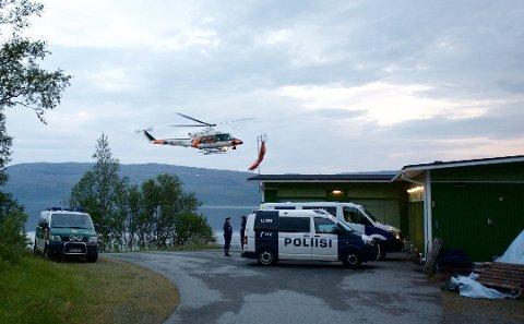 ULYKKE: Et helikopter tilhørende finsk grensevakt tar av fra helikopterlandingsplassen ved Kilpisjärvi natt til søndag.