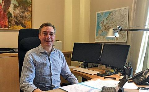 Nyutnevnt statsråd Frank Bakke-Jensen på jobb i jula