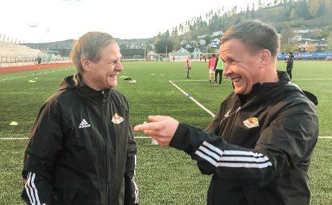 GODT HUMØR: Styreleder Geir Langedrag er godt fornøyd med at trener Espen haug har skrevet femårskontrakt med SK Gjøvik-Lyn.