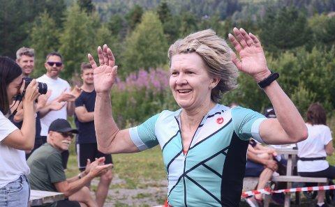 Monica Jakobsen (49) imponerte stort og tok en klar seier i kvinneklassen på Eina Triatlon.