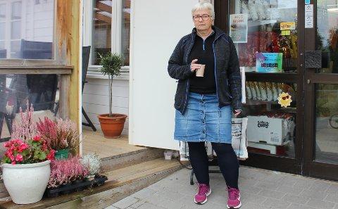 NYTT NEI: Det er ingen bistro i kjelleren og på plattingen ved Sandøya Handelshus. Vivi-Ann Eek ville starte dart- og musikklubb i stedet, men har fått avslag på søknaden om bevilling.