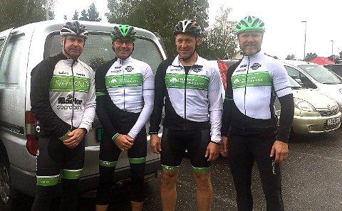 ALLE FIRE:Rakkestad sykkelklubb-kvartetten Roger Bergland (fra venstre), Espen Mikalsen, Odd Ingar Brattås og Sven Inge Thue Morken klarte alle pallplasser i sine klasser i landeveisrittet femsjøen Rundt.