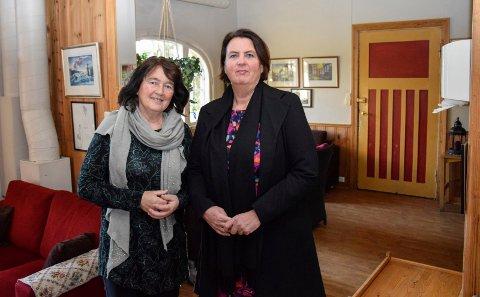 Gro Rensel og Annlaug Helgerud driver Villa'n, et behandlingssenter for rusavhengighet midt i byen. Til jul får brukerne gaver å legge under treet.