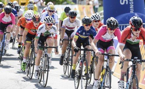 I hopetall: Hundrevis av syklister stilte til start under helgens sykkelritt på Røyse. Arrangører og publikum smilte seg gjennom en varm sykkelhelg.