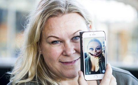Tina Hermansen fra Skedmsokorset bruker snapchat-filter på mobilen for å skape Tinas treningsblogg. Foto: Tom Gustavsen