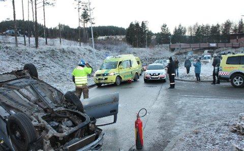 BOGAFJELL: Politiet mistenker ein ruspåverka førar etter bilulukke på Bogafjell fredag ettermiddag.