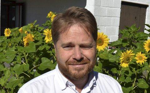 Går brannrunder: Daglig leder Skjalg Sundby påpeker at beboere har blitt opplært i brannvern og har vært brannvakter på kvelds- og nattestid.
