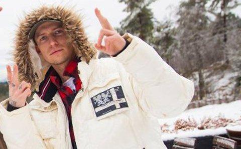 TILTALT: Carl Aksel Jansen (25) er tiltalt for hvitvasking og en rekke grove bedragerier. Foto: Drammens Tidene