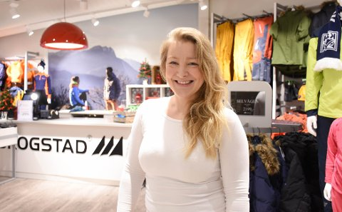 Juleklar: Kathrine Sivertsen hos Skogstad på Alti Storkaia Brygge liker trening og turer i naturen med familien. Nå gleder hun seg til jul.