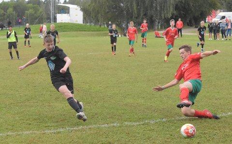 MÅL: Marius Weidel setter her inn 1-0 mot Harlingerland, ett av hans til sammen fem mål i kampen som endte 6-1.
