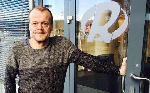 FORNØYD: Daglig leder i Radio Tønsberg, Geir Steiner Friberg, er både overrasket og godt fornøyd med å ha sterke lyttertall.