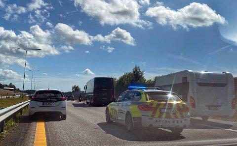 KØ: Det er meldt om trafikkproblemer på E18 etter ulykken.