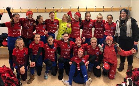 MØTER DE BESTE: NILs 15-årsjenter kvalet inn til neste års regionale serie i J17 etter seier over Skedsmo på tirsdag.