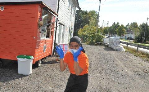 SATSER:Nery Alfnes foran vogna rett nord for Åneby der hun håper å skape et levebrød av å lage mat for andre.