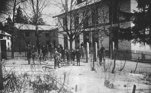 SKOLEN: Sverre Kvassnes var lærer ved Munchs Pensjonatskole 1937–1940. Villa Fredheim er i krysset G.M.Drammensv./Homanssvn.