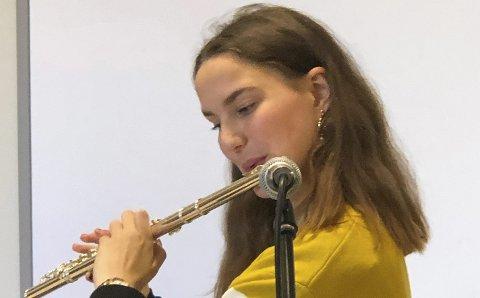 Talent: Anna Walsø Vågen spiller fløyte på konserten.