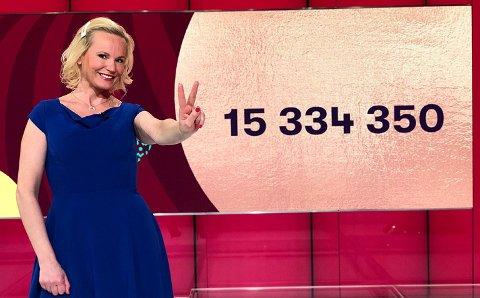 Norsk Tipping har ikke fått kontakt med de to 15-millionersvinnerne som vant i Lotto lørdag.