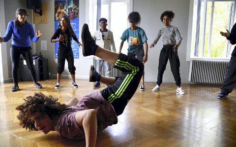 Gjengen fra Brasil viser kunster i hiphop og break, her med 15 år gamle David Silveira i spissen.