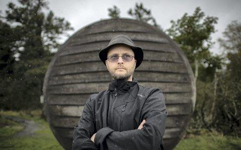 Jörg Hänicke fra tyskland har levd med hjernekreft i fem år. Nå prøver han seg på trolljegerprøven på Fløyen.
