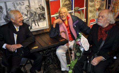 GODE VENNER: Arne Treholt og Oddvar Torsheim var begge gode venner av Laurie Grundt, og kommer på minnestunden på Nøsteboden. ARKIVFOTO: BA