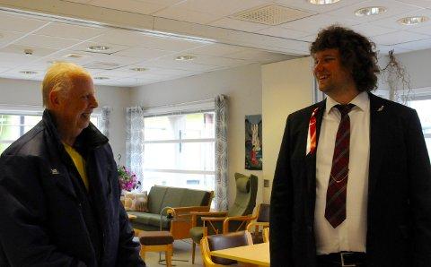 Koselig møte: Martin Strandstø var musikklæreren til Espen Behrens på Grødem skole, og Behrens forteller at de bodde 100 meter fra hverandre på Grødem.