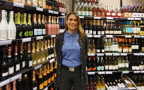 REKORD: Lørdagen ga rekordomsetning i volum for polutsalget i Eggedal, kan butikksjef Linn Hartvigsen opplyse.