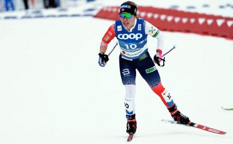 TOPP-TI: Helene Marie Fossesholm gikk inn til en sterk åttendeplass i VM i Oberstdorf tirsdag. Med det bel hun tredje beste nordmann.