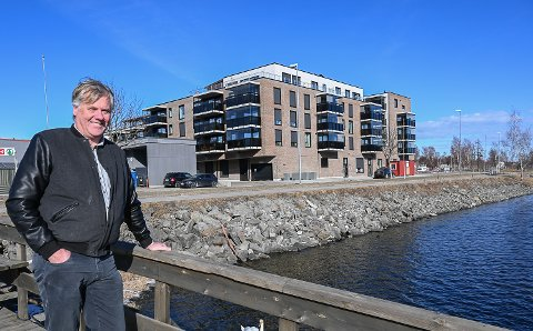 HANDELSBRYGGE: – Jeg håper vi kan starte arbeidene med den nye handelsbrygga i Vikersund så fort som mulig, og målet må i hvert fall være at det står ferdig innen sommeren 2022, sier Jon Hovland.