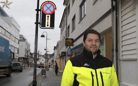 Har du eit bilvrak ståande på ein eigedom du ikkje eig, kan det hende du snart blir kontakta av Jan Harald Arnesen og Florø Parkering.
