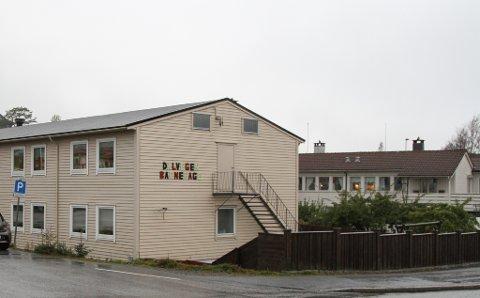 DALVEGEN: Bygget har tidlegare vore hybelhus, men er i dag barnehage med plass til 30 barn. Dalvegen er ein av barnehagane som skal leggast ned når nye Nepjarhaugen står klar neste år.