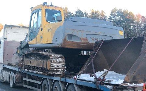 KJØREFORBUD: Dette polske vogntoget ble stanset på Svinesund på torsdag. Ikke uventet gikk heller ikke ferden videre.