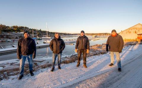 Plankonsulent Per-Atle Tangen fra Rambøll  (til venstre) sammen med utbyggerne, Fredrik Dahle Olsen, Øivind Olavesen og styreleder Kenneth Haraldsen under befaring i Marnet for to uker siden. Nå opplyser Haraldsen at de er skuffet – og usikre på veien videre.