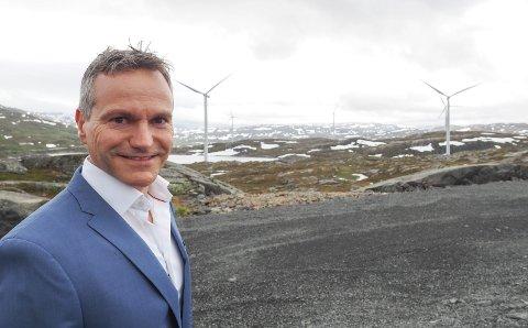 Bedre økonomi: Blant annet salget av Nygårdsfjellet vindpark, som både har bidratt til å banke ned gjeld, men som også har sikret langvarige operatørinntekter, gjør at Nordkraft-økonomien er vesentlig forbedret. Det er blant forholdene som gjør at administrerende direktør Eirik Frantzen nå mener at det igjen er forsvarlig å betale ut aksjeutbytte. Foto: Terje Næsje