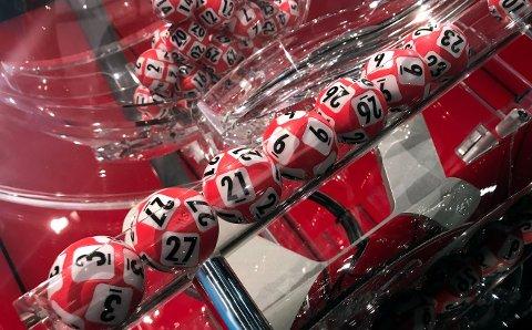 STORVINNER: Nok en gang er en Lotto-spiller fra Narvik heldig. Foto: Norsk Tipping.